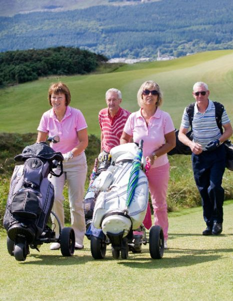 Shannon Princess passengers are walking on a golf course