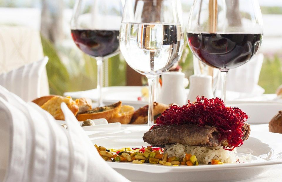 Gourmet dining and quality wines on Shannon Princess